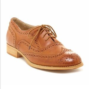 NWOB Wanted babe wingtip lace up oxford